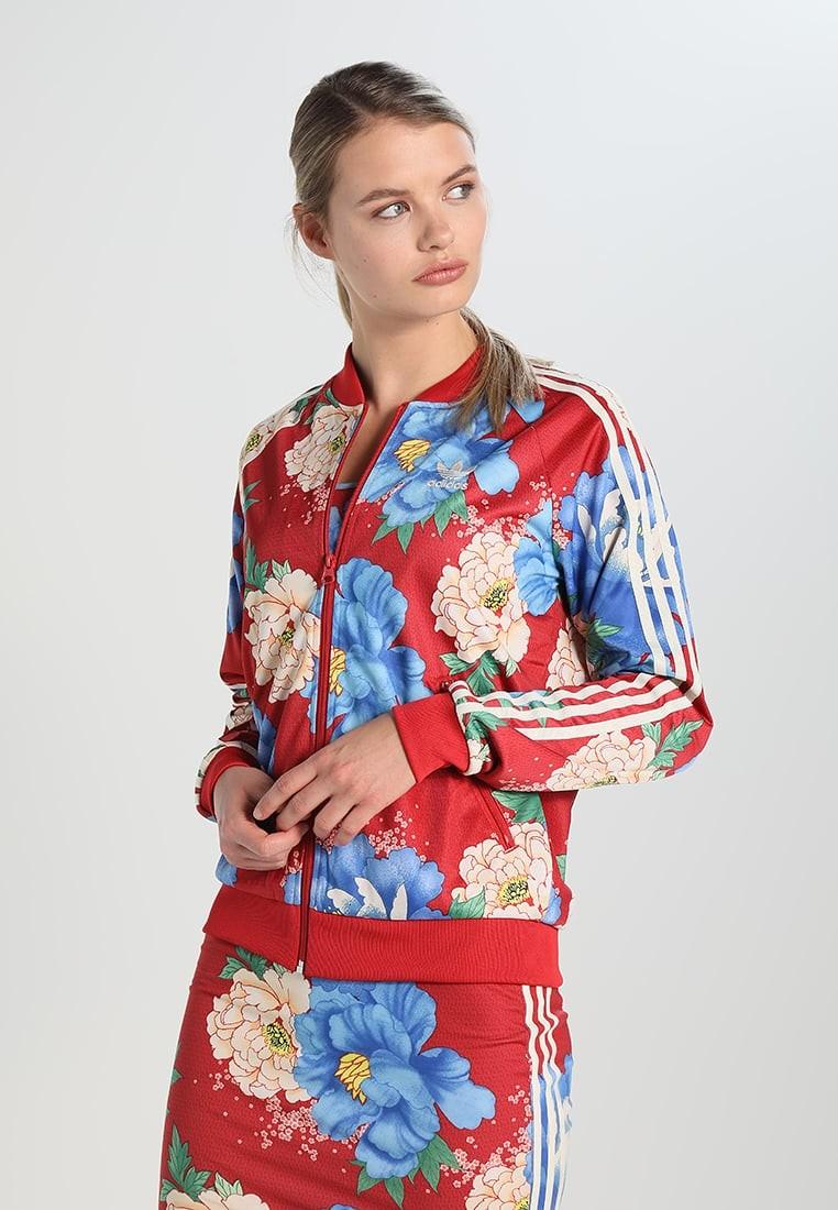 Esta chaqueta de Adidas Originals tipo bomber Chita ...