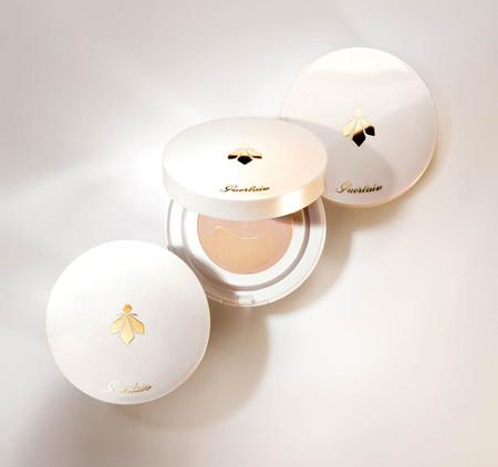 Bee Glow Aqua Cushion, la nueva hidratante con color de Guerlain