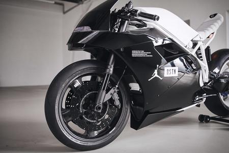 Ducati 916 Bstn 1
