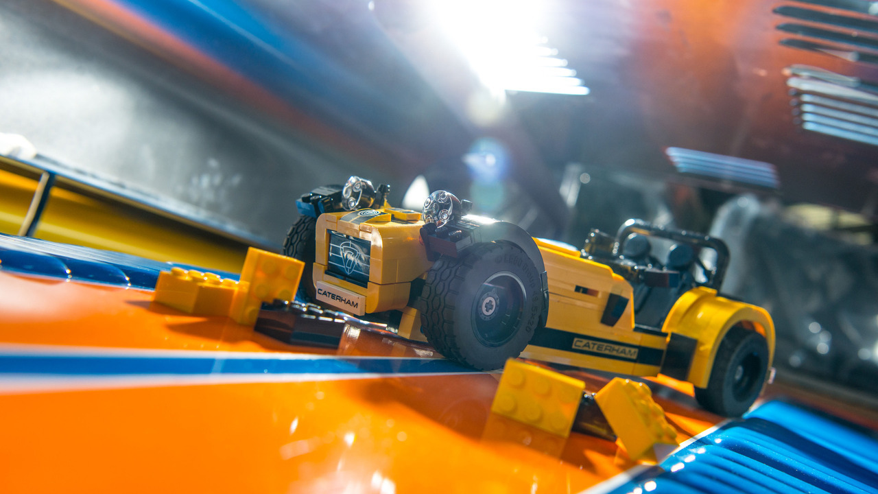 Foto de Caterham 620R LEGO (3/6)