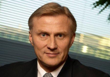 Anssi Vanjoki presenta su dimisión un día antes del Nokia World