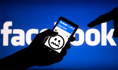 Las personas que comparten mucha información en Facebook son solitarias y depresivas, según estudio