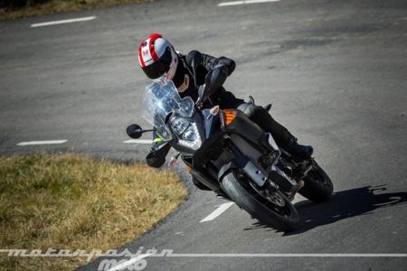 KTM 1050 Adventure, prueba (conducción en autopista y pasajero)