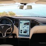 El piloto automático mejorado de Tesla llegará en tres semanas
