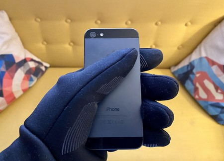 Mujjo mejora sus guantes táctiles con una doble capa aislante y este es el resultado