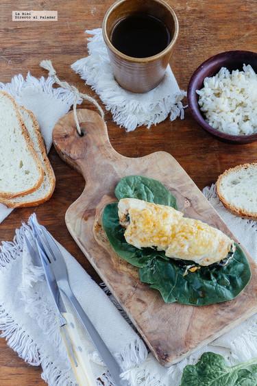Pechuga de pollo rellena de espinacas y queso. Receta