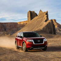 El nuevo Nissan Pathfinder es un SUV de tracción delantera cuyo diseño bebe de los todoterrenos clásicos de la marca