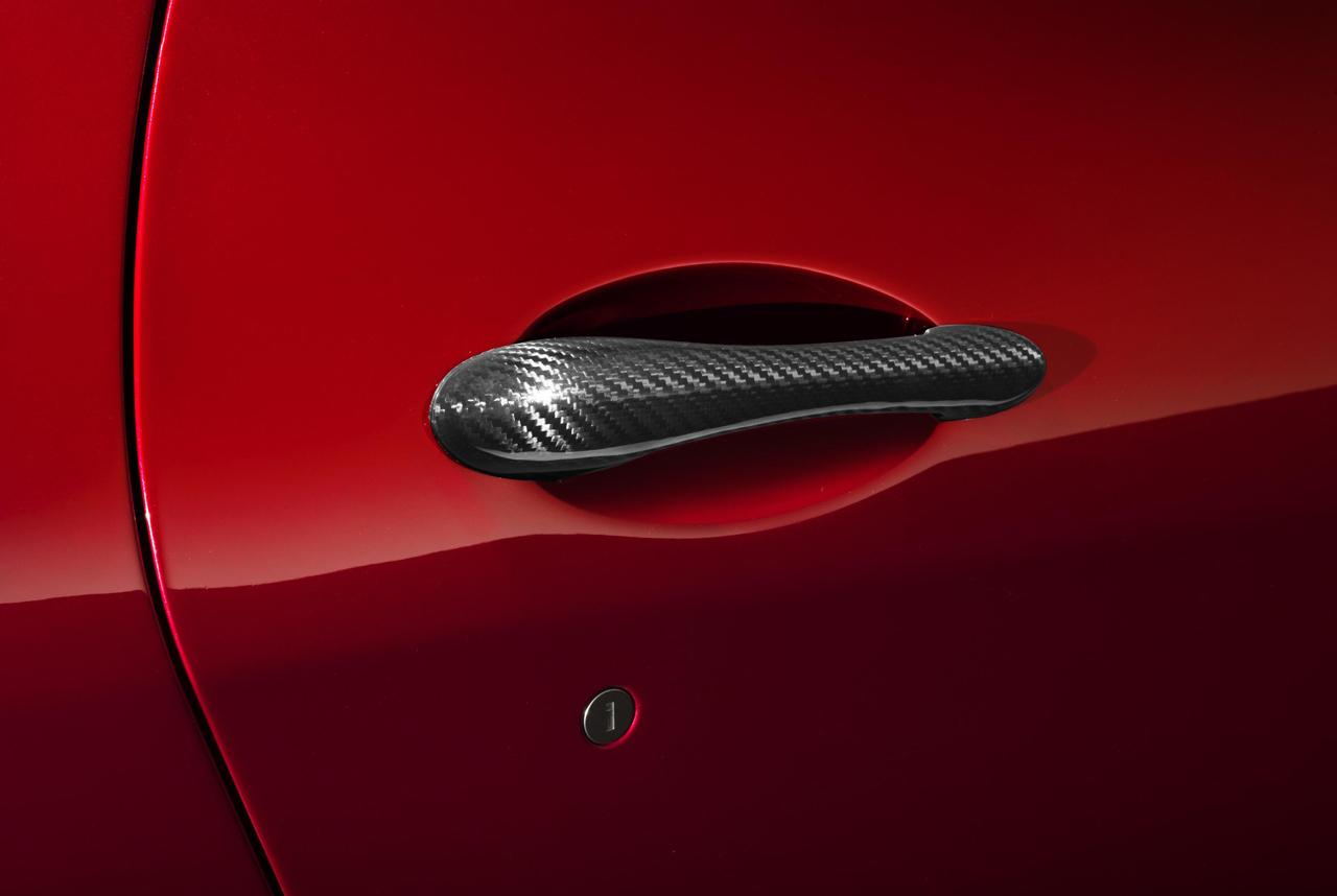Foto de Maserati GranTurismo MC Stradale Centennial Edition y GranCabrio MC Centennial Edition (10/33)