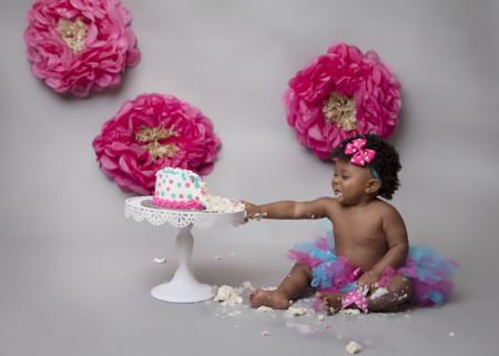Bebé y tarta