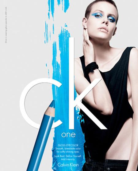 Color Cosmetics, la primera línea de maquillaje Ck One, se estrena en España