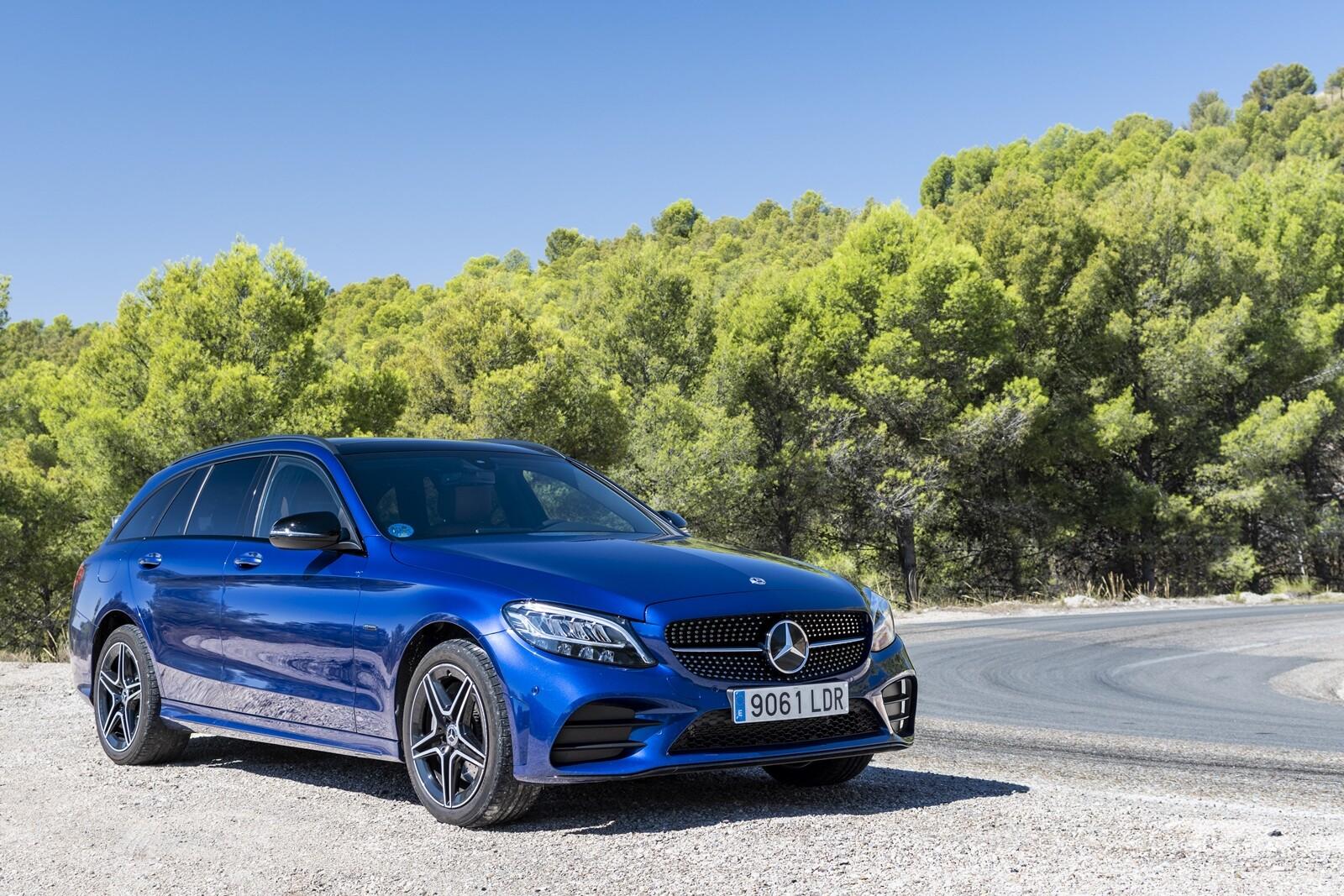 Foto de Mercedes-Benz C 300 de Estate 2020, prueba (40/46)