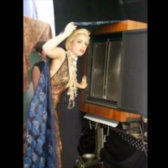 Foto 5 de 5 de la galería nuevas-fotos-de-lady-gaga-escotada-de-infarto-y-posando-para-polaroid en Poprosa