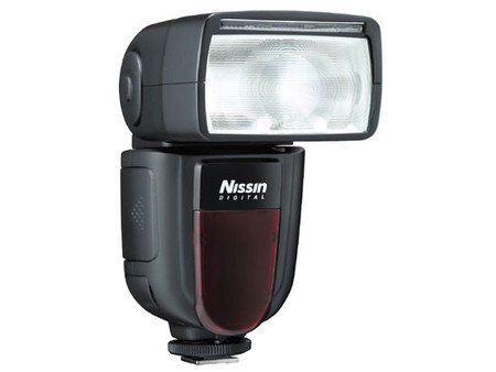 El nuevo flash Nissin di700, con power pack incluido, podría estar disponible a final de mes