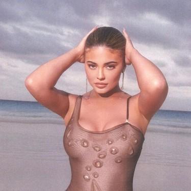 Kylie Jenner escucha nuestras plegarias y lanza una crema con un protector solar transparente