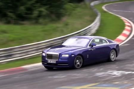 ¿Qué anda haciendo este Rolls-Royce Wraith en Nürburgring?