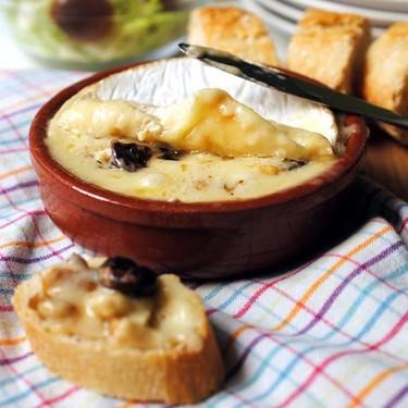 Queso Camembert relleno de frutos secos: receta fácil y rápida para amantes del queso
