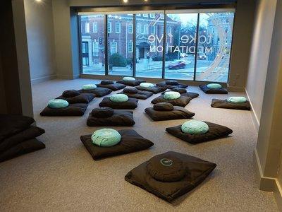 """Salas de meditación en New York se convierten en las """"nuevas cafeterías"""""""