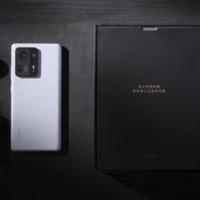 Xiaomi comparte la experiencia de abrir el Mix 4 y esto es lo que hay en la caja