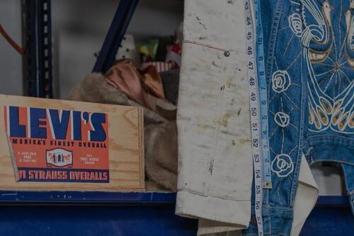 Vaqueros con el 50% de descuento, camisetas desde 12,50 euros y cazadoras a precio de derribo: mejores ofertas en las rebajas de Levi's