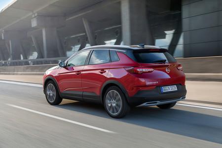 El Opel Grandland X Hybrid4 ya tiene precio en España: 53.000 euros para el SUV híbrido enchufable