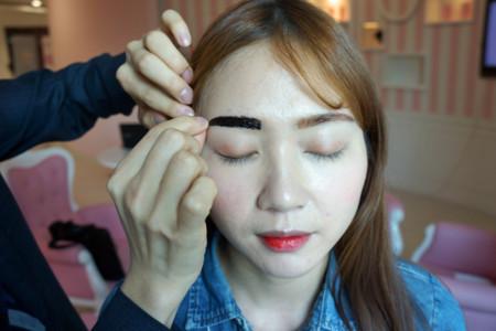 Dos inventos coreanos para rellenar las cejas que están causando furor y que yo necesito ¡ya!