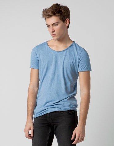 Camiseta estilo roto