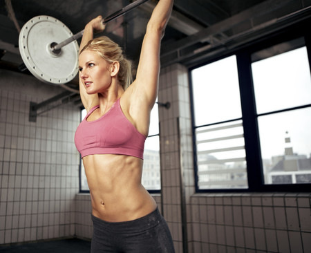 Los errores más comunes en los ejercicios básicos: errores en el press de hombros