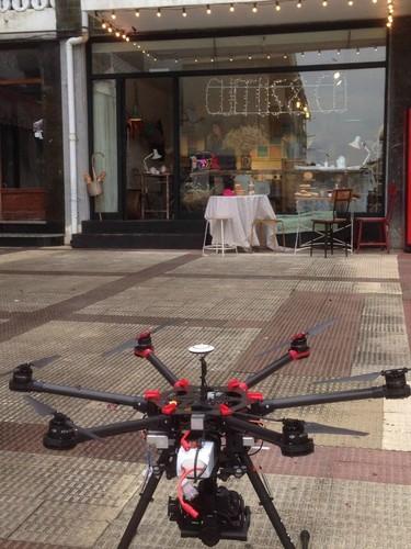 ¿Te imaginas qué te repartieran el pan con un dron? En una panadería de Cantabria será posible