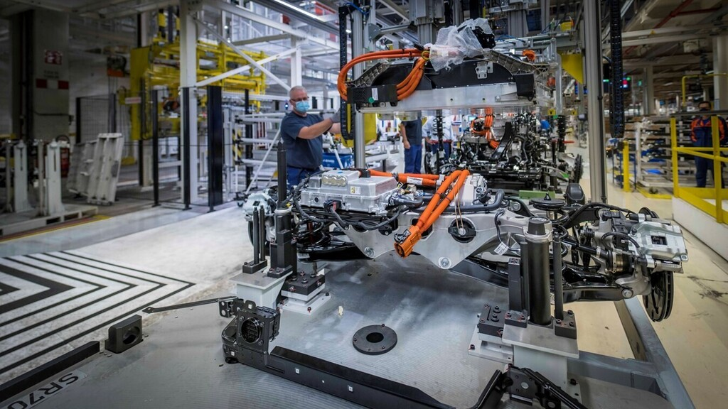 Baterías de coches eléctricos recicladas más longevas: esta novedosa técnica promete aumentar su vida útil un 30%