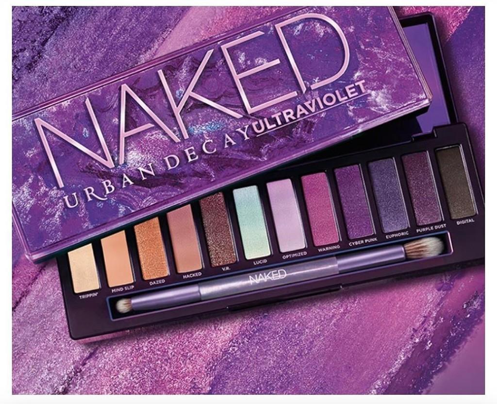 Urban Decay lanza la nueva paleta de sombras de ojos Naked Ultraviolet con Camila Mendes como personaje de la campaña