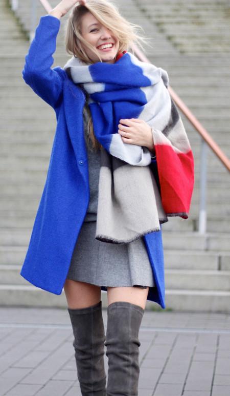 Da un twist a tu bufanda con estos looks de calle ideales