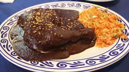 Recorrido por los 7 moles tradicionales de Oaxaca y sus curiosidades