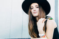 Apúntate el nombre de Ryn Weaver si te gustan Ellie Goulding o Florence + The Machine