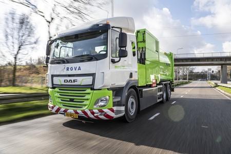 Este camión eléctrico ya recoge la basura en Holanda sin hacer ruido alimentado por una batería de 170 kWh