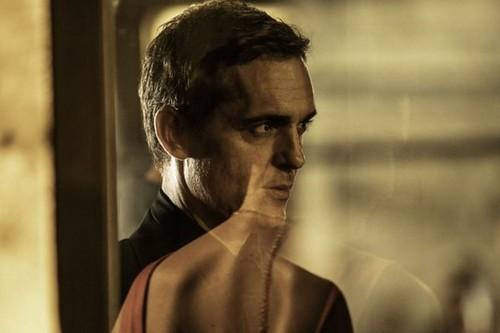 'El silencio del pantano': las teorías que explican el final del éxito español en Netflix con Pedro Alonso