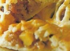 Salchichas y manzanas en hojaldres