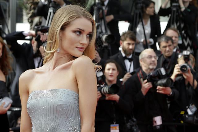 Festival de cine de Cannes 2014 alfombra roja The Search Rosie Huntington Whiteley Gucci Première