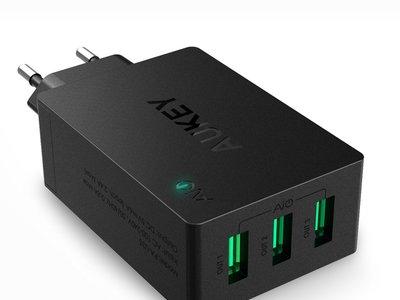 Cargador USB Aukey de 3 puertos con 4 euros de descuento