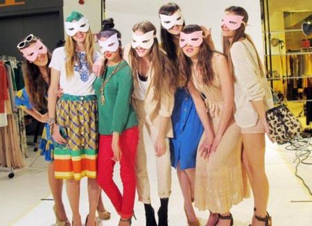 Mango elige a 7 bloggers para lucir su colección Primavera-Verano 2011