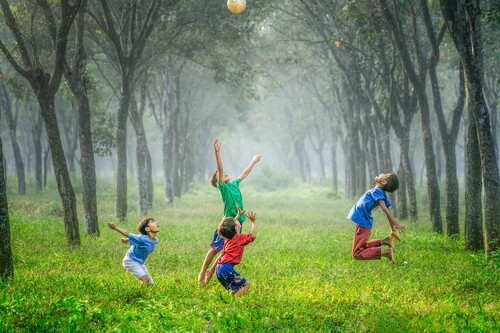 Por qué jugar es tan importante para la salud física y mental de los niños