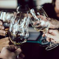 Este vino es perfecto para un plan con amigas, no emborracha y es bajo en calorías