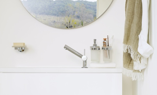 Foto de Accesorios adhesivos para el baño, para los que odian hacer agujeros (6/6)