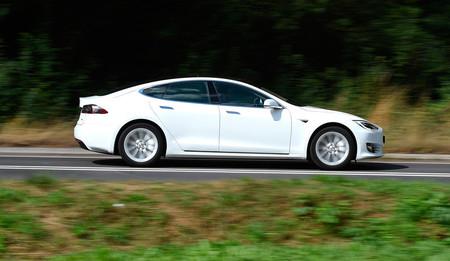 El Tesla Model S no logra su objetivo de 7:05 en Nürburgring a pesar de ser ya 29 segundos más rápido que el Porsche Taycan