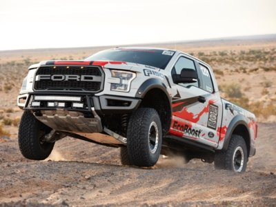 El Ford F-150 Raptor, a competir en el desierto
