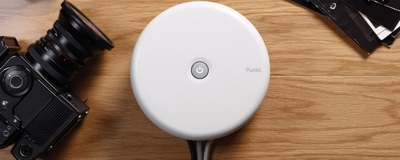 Organiza mejor tus cables con Punkt. ES 01, una elegante y útil regleta circular de diseño