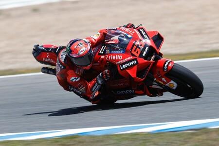 La Ducati también vuela en Jerez: Pecco Bagnaia bate por una décima a Fabio Quartararo; Marc Márquez fuera de la Q2