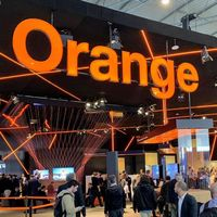 El 4G+ de Orange ya vuela a 1 Gbps y la fibra a 50 Gbps