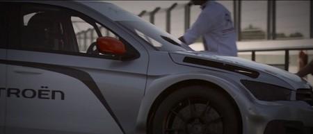 Yvan Muller prueba el nuevo Citroën C-Elysée WTCC