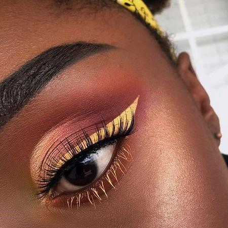 Eyeliner Amarillo 6