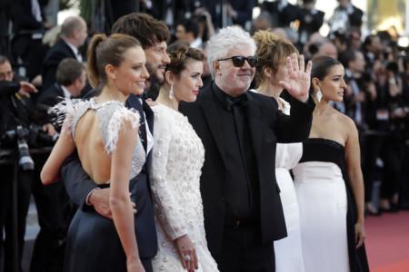 Las 'chicas Almodóvar' y numerosas tops, ponen el glamour en la premiere de 'Julieta' en el Festival de Cannes